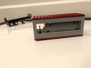 lego_container_with_trailer_in_background